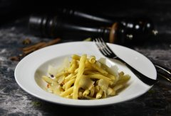 Strozzapreti_with_Mushroom_ParmigianoReggiano.jpg